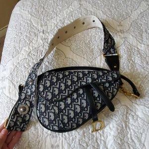 Logo blue saddle bag